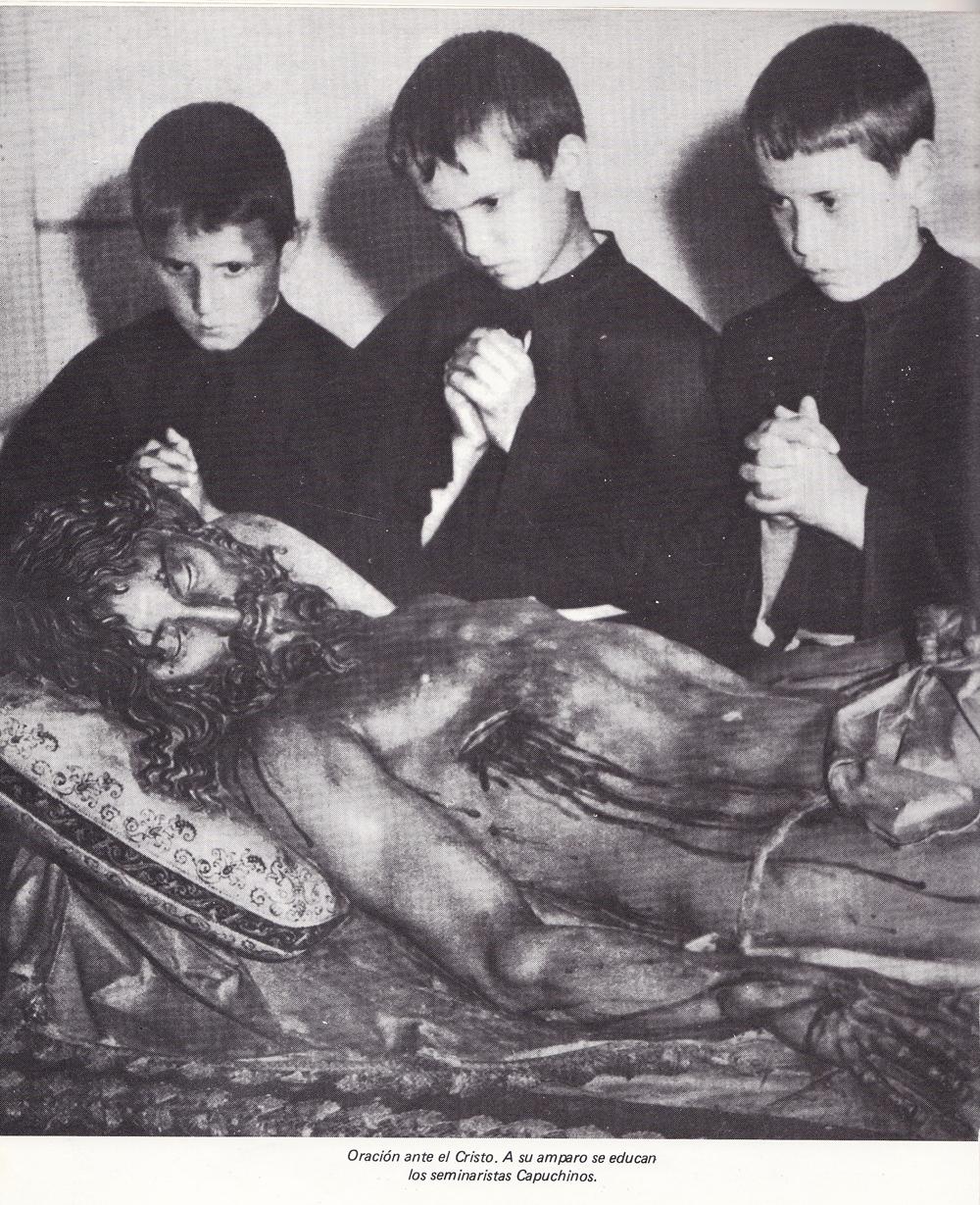 http://www.elpardo.net/wp-content/uploads/2012/01/Cristo_seminaristas.jpg